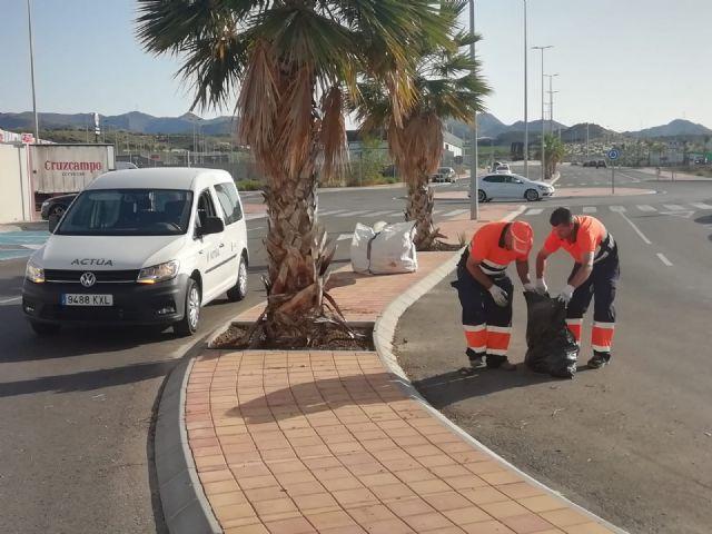 Servicios incrementa las labores de limpieza, acondicionamiento y mejora de la zona costera, Foto 1