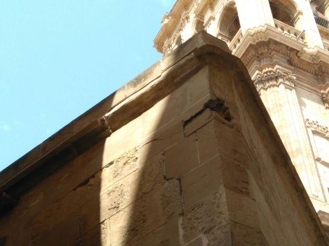 Huermur denuncia el desprendimiento de cascotes de una fachada de la Catedral de Murcia - 2, Foto 2