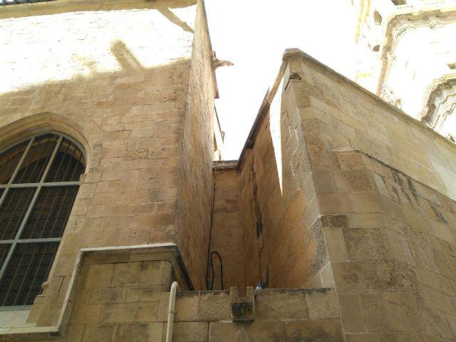 Huermur denuncia el desprendimiento de cascotes de una fachada de la Catedral de Murcia - 3, Foto 3