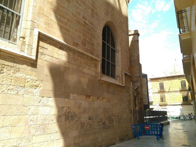 Huermur denuncia el desprendimiento de cascotes de una fachada de la Catedral de Murcia - 5, Foto 5