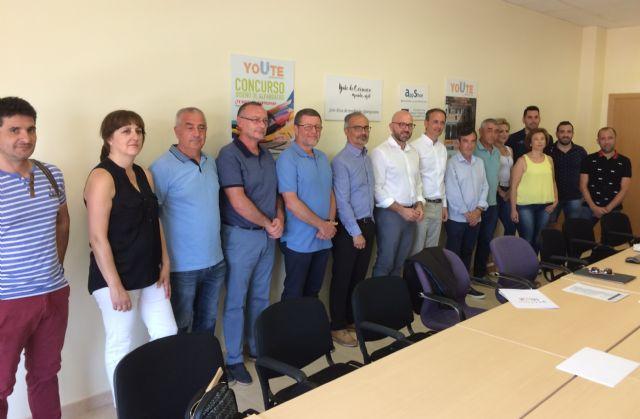 El nuevo presidente de Calzia y representantes de la asociación de empresarios del calzado se reunieron con el alcalde de Caravaca y el consejero de Empleo - 2, Foto 2