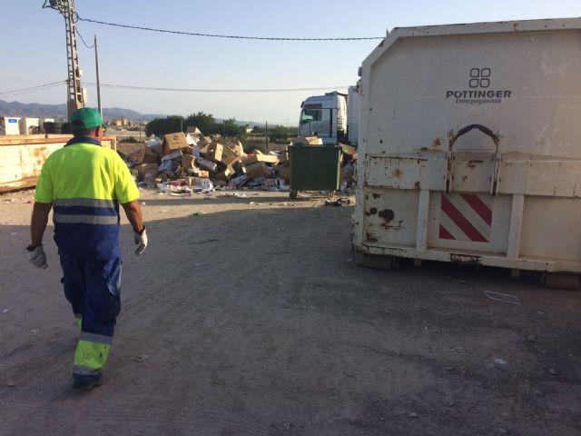 Los escombros de obras menores, los voluminosos, maderas y electrodom�sticos son los residuos dom�sticos m�s depositados en el ecoparque municipal, Foto 4