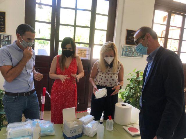 Educaci�n env�a a los centros educativos m�s de 300.000 mascarillas, Foto 1