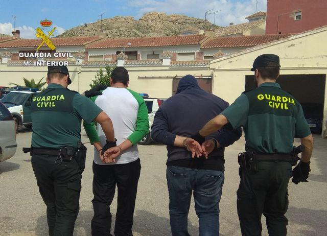 La Guardia Civil detiene en Albudeite a dos personas dedicadas a la comisión de robos con fuerza en zonas rurales - 1, Foto 1