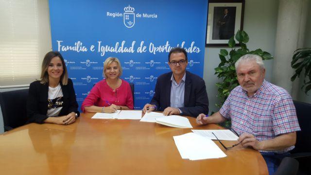 Familia financia con 83.000 euros el servicio de ayuda a domicilio a personas dependientes en Ricote - 1, Foto 1