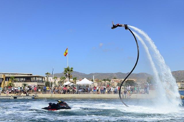Las motos de agua se exhiben en la Bahía de Mazarrón, Foto 2