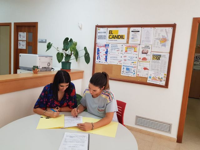"""The transfer is renewed for another year from the Municipal Center for Citizen Participation to the Collective for Social Promotion """"El Candil"""", Foto 2"""