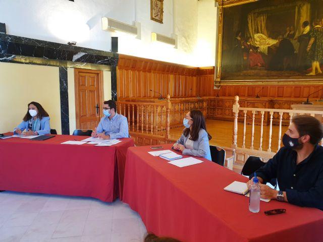 Caravaca pone en marcha el proyecto para incorporar al municipio a la Red de Destinos Turísticos Inteligentes con una reunión de trabajo de las concejalías y responsables de áreas municipales - 1, Foto 1