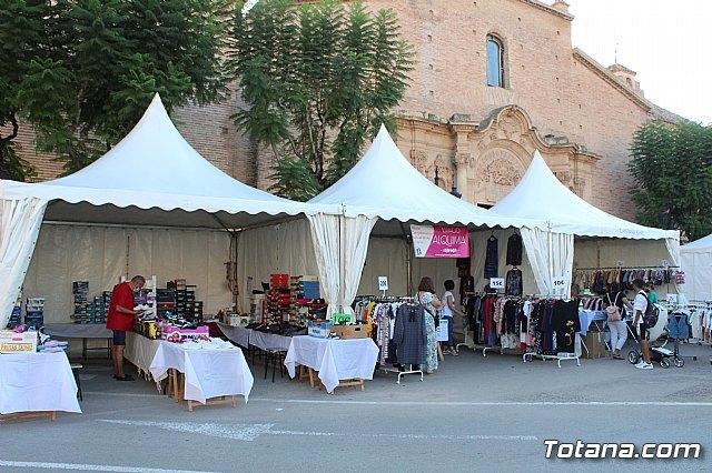 Arranca la XII Feria Outlet que se celebra hasta el domingo por la noche con expositores que ofertan productos de diferentes sectores comerciales, Foto 4