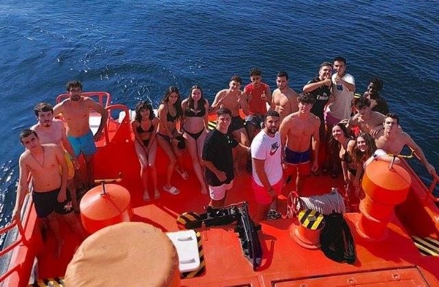 Los alumnos del Grado en Seguridad de ISEN participan en un simulacro de rescate en aguas de Mazarrón, Foto 1