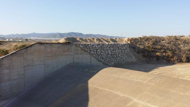 La CHS finaliza las obras de emergencia contra avenidas en la presa del Paretón de Totana, Foto 2
