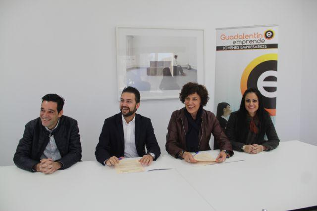 La alcaldesa de Puerto Lumbreras y el presidente de Guadalentín Emprende firman un convenio para el fomento del sector empresarial - 1, Foto 1