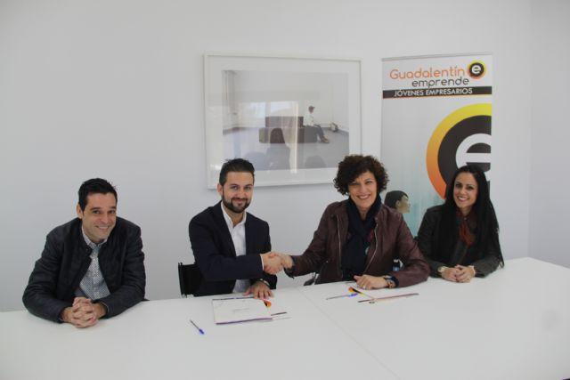 La alcaldesa de Puerto Lumbreras y el presidente de Guadalentín Emprende firman un convenio para el fomento del sector empresarial - 3, Foto 3