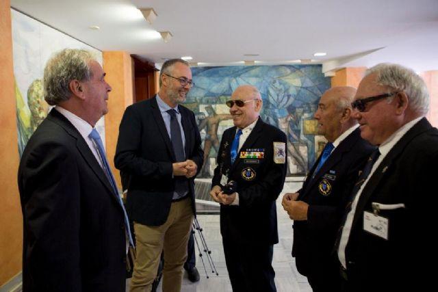 La Asamblea apoya que la Región sea el escenario para la celebración del Día de las Fuerzas Armadas el próximo año, Foto 1