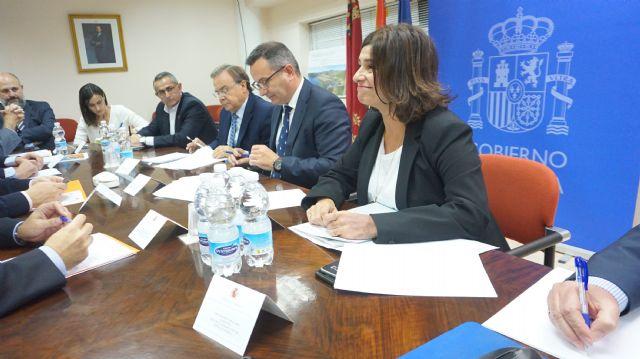 Diego Conesa manifiesta la voluntad inequívoca del Gobierno de España de cumplir con los plazos y objetivos del proyecto de regeneración de la Bahía de Portmán - 2, Foto 2