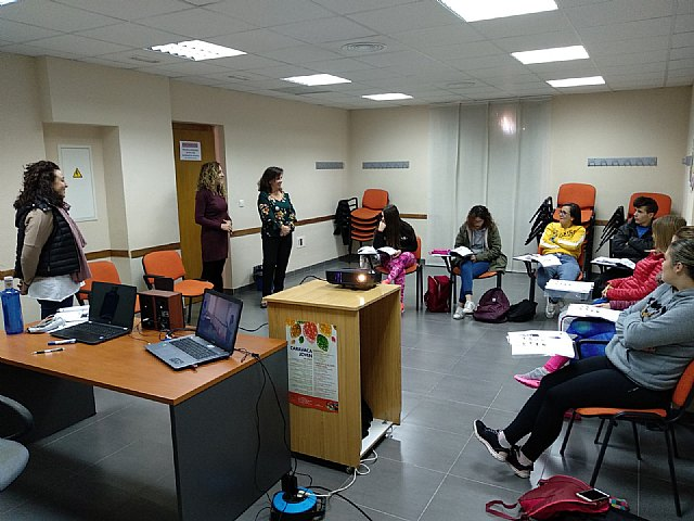 El programa 'Actívate' de la Concejalía de Juventud forma a 16 jóvenes en las ramas de hostelería y turismo - 1, Foto 1