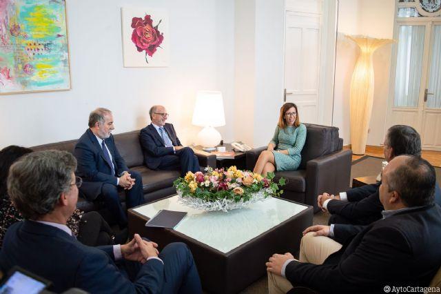 El presidente de Repsol, Antonio Brufau, visita el Ayuntamiento de Cartagena - 1, Foto 1