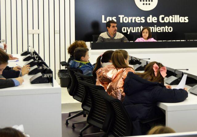 Los escolares del colegio 'San José' participan en un pleno infantil en el Ayuntamiento - 4, Foto 4