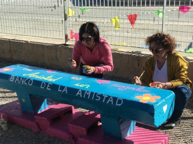 Bancos de la amistad en el colegio Fontes - 4, Foto 4