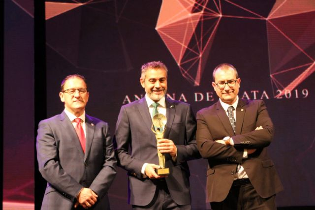 Juan Alfonso Cervantes premiado con la Antena de Plata a profesional de la Televisón de la ARTV de Murcia, Foto 2