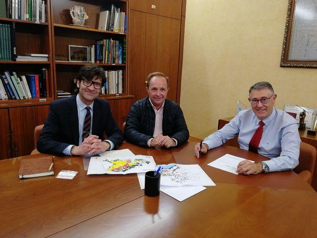 El presidente de la CHS, Mario Urrea, se reúne con el Decano del Colegio Oficial de Ingenieros Agrónomos de la Región de Murcia, Foto 1