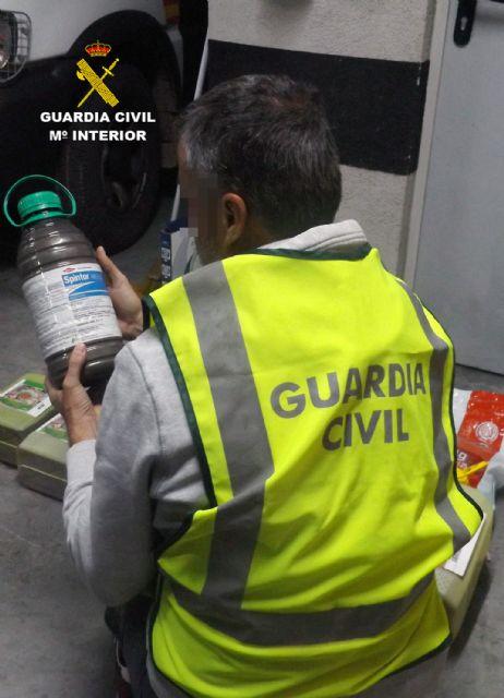 La Guardia Civil destapa una trama delictiva dedicada a la sustracción de productos fitosanitarios, Foto 1