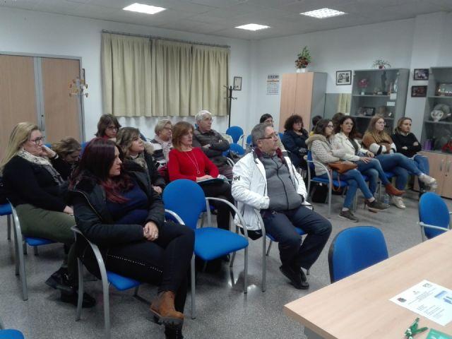 El Ayuntamiento de Molina de Segura lleva a cabo un Curso de Escaparatismo para comerciantes del municipio - 1, Foto 1