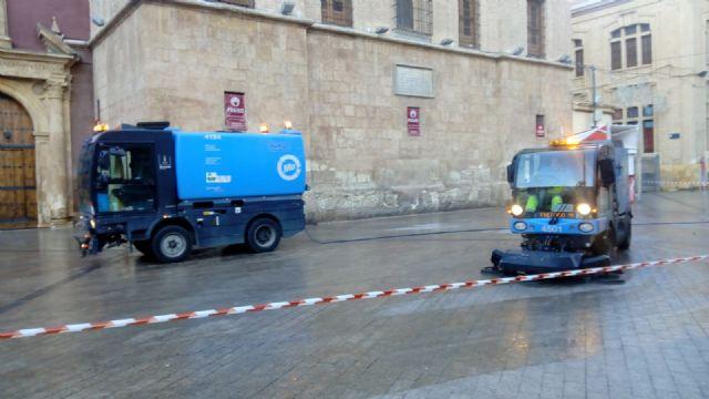 El dispositivo especial de limpieza del Ayuntamiento continúa trabajando hasta el 20 de enero - 2, Foto 2