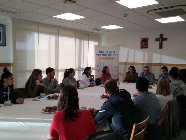 El director del Rosell subraya la gran empleabilidad de los alumnos de Enfermería - 1, Foto 1