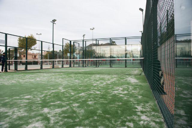 Renovadas las pistas de pádel en las instalaciones deportivas de Mazarrón y Puerto, Foto 1