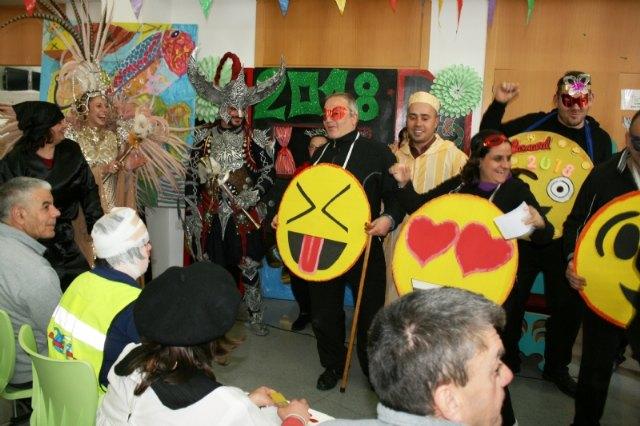 Autoridades locales acompañan a La Musa y Don Carnal, Foto 2