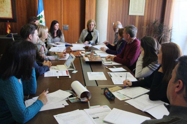Educación aborda proyectos y actividades para el segundo trimestre con AMPAS y directores - 1, Foto 1