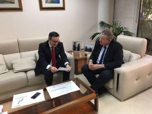 El alcalde traslada al Delegado del Gobierno las necesidades de Alhama en el proyecto de ampliación de la A7, Foto 1