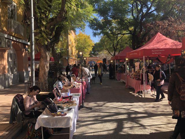 Decenas de personas visitan Vistabella para disfrutar del mercado creativo 'La Placica de los Patos' - 2, Foto 2