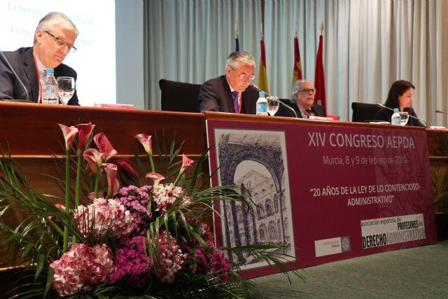 El jurista venezolano Allan Brewer-Carías defiende en un congreso de la UMU la Constitución de su país y la necesidad de aplicarla - 2, Foto 2