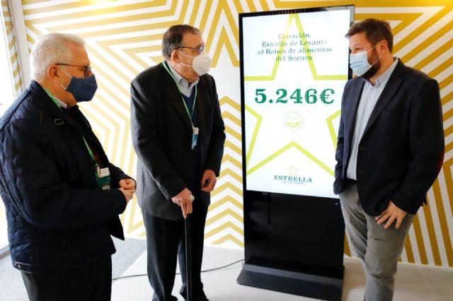 Estrella de Levante dona 5.246 euros de la Cerveza de Navidad del mercadillo de Murcia al Banco de Alimentos del Segura - 2, Foto 2