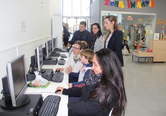 Renuevan los equipos informáticos del Aula de Nuevas Tecnologías de la pedanía lumbrerense de La Estación-Esparragal - 1, Foto 1