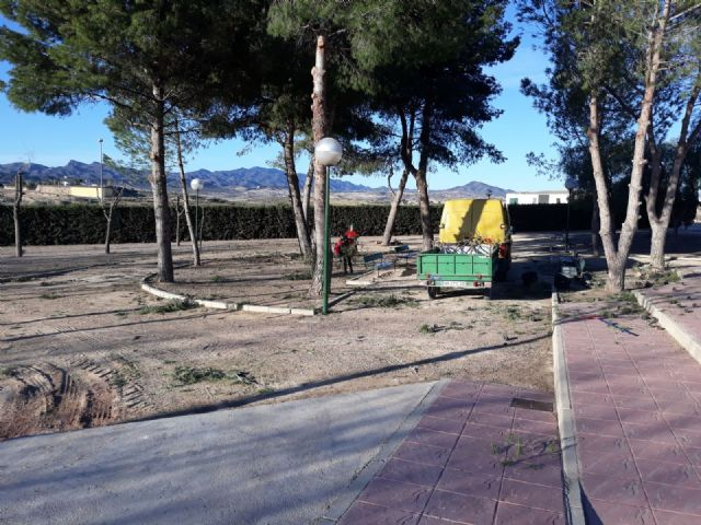 They completely reform the park of Los Cantareros, next to the fairgrounds and the hermitage - 2