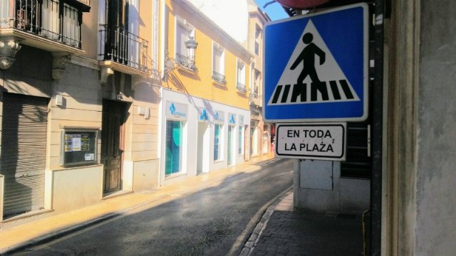 Traffic to Plaza de la Constitución will be cut from General Aznar Street for 10 days due to the completion of the works of the Fuente de la Plaza - 2