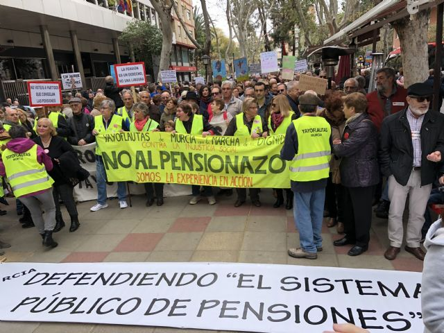 "Ganar Totana highlights that ""thanks to the mobilizations in defense of the Public Pension System, an increase of 3% of the lowest pensions is achieved"""