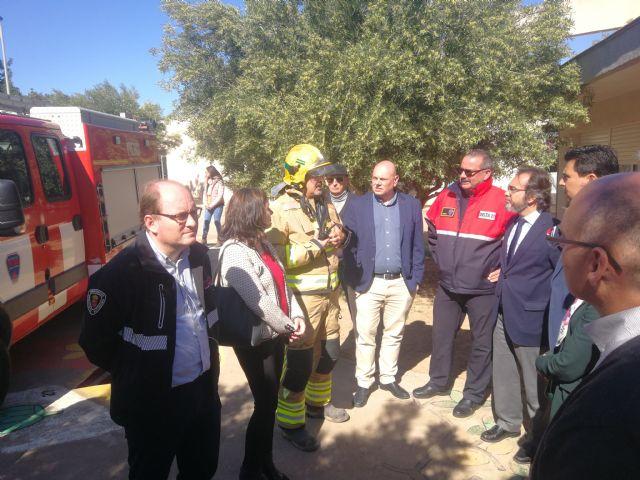 Servicios de emergencia de la Comunidad realizan un simulacro de incendio en un centro de educación especial de San Javier - 1, Foto 1