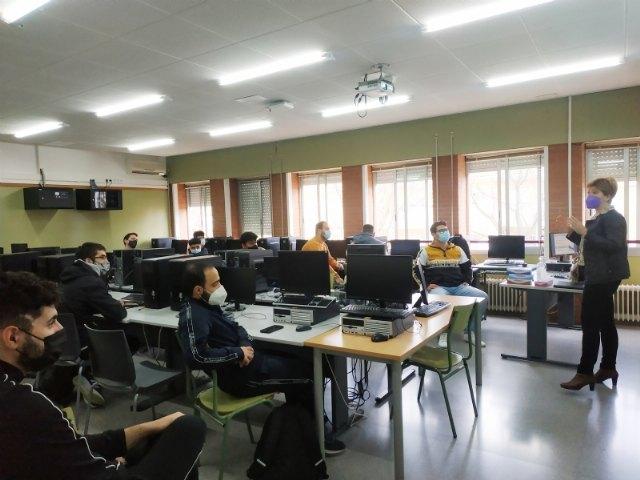 Empleo joven imparte charlas de orientación formativa y laboral en los centros educativos de Alhama - 2, Foto 2
