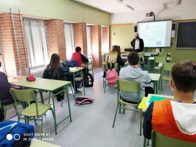 Empleo joven imparte charlas de orientación formativa y laboral en los centros educativos de Alhama - 3, Foto 3