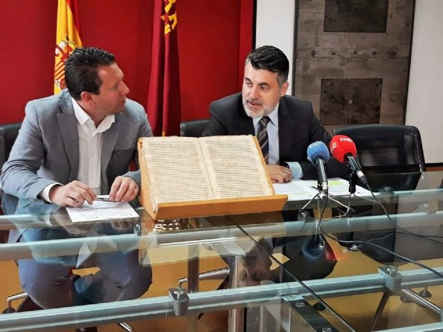 Cultura entrega a Mula un documento histórico recuperado por la Guardia Civil tras su autentificación - 1, Foto 1