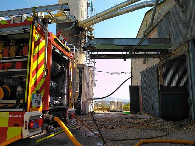 Incendio declarado en un silo de serrín en Moratalla - 2, Foto 2