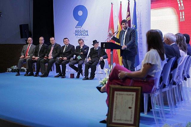 López Miras proclama el
