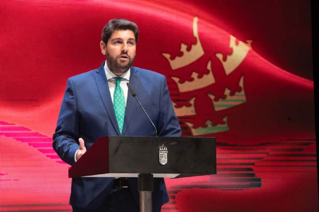 López Miras apela a recuperar el espíritu de acuerdo, eliminar diferencias y priorizar el bien común de la Región, Foto 3