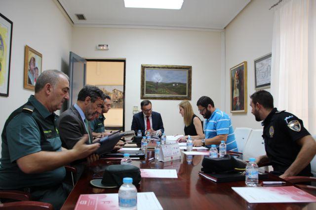 El delegado del Gobierno destaca el descenso de un 5% en las infracciones penales en Alhama de Murcia, Foto 1