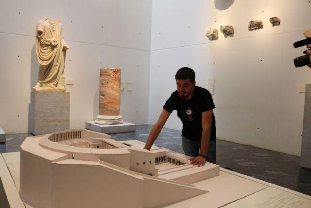 El Museo del Teatro Romano implementa la movilidad en el museo para los invidentes - 1, Foto 1