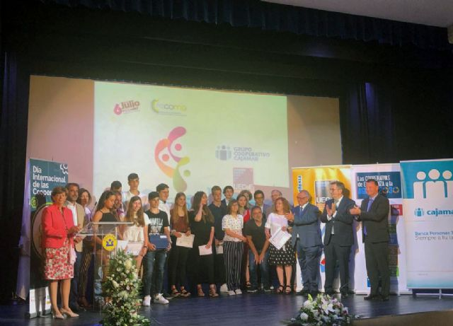 "The project ""Creaimpress"" of the Reina Sofía School obtains a special mention in the awards of the contest ""We undertake the promotion of cooperative entrepreneurship in the school"" - 1"